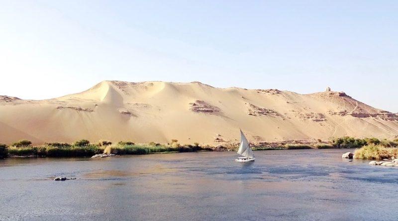 Égypte : acquittement d'une chanteuse condamnée pour avoir plaisanté sur le Nil