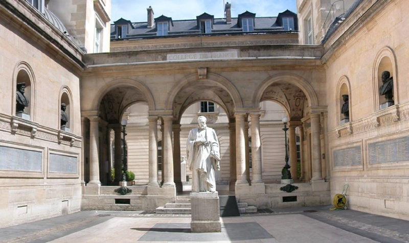 Amos Gitaï, conférencier au Collège de France : une première pour un réalisateur