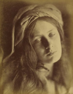 Julia Margaret Cameron, Beatrice, 1866 - Épreuve à l'albumine argentique 33,8 x 26,4 cm - The J. Paul Getty Museum, Los Angeles, États-Unis (DR)