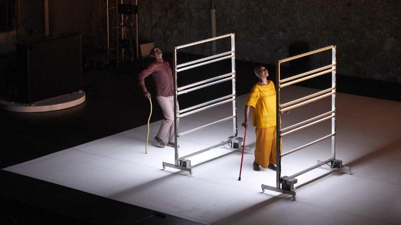 """Festival d'Avignon – """"Multiple-s"""" de Salia Sanou: un geste d'une infinie douceur"""