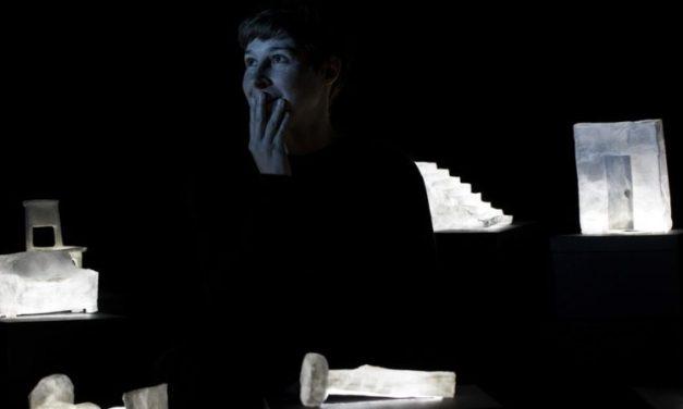 """""""Noir et humide"""" de Jon Fosse: un conte à dormir debout"""