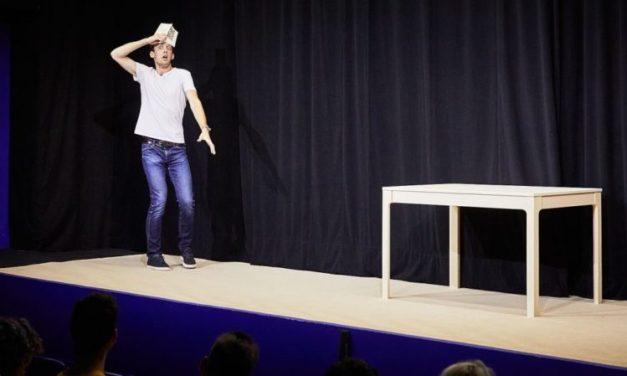 """""""Phèdre!"""": l'unique comédie du festival réjouit Avignon"""