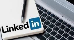 the importance of Linkedin status updates
