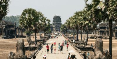 Short term volunteering overseas  – Pros and Cons
