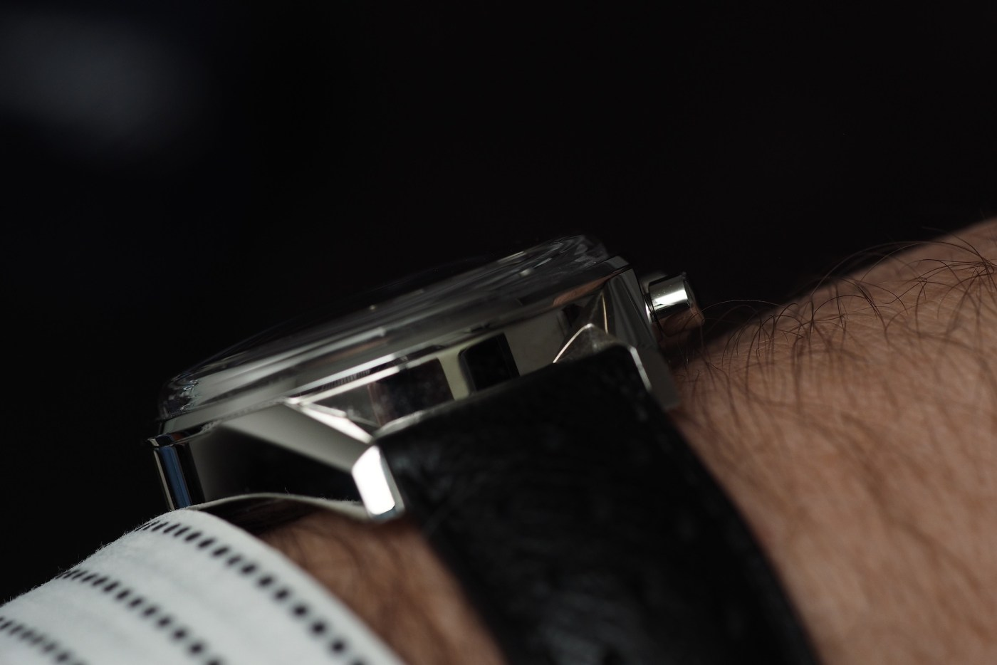 TAG Heuer Carrera Calibre 18 Automatic Chronograph wristshot side view