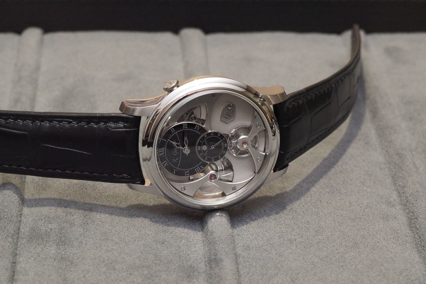 Insight Micro-Rotor by Romain Gauthier