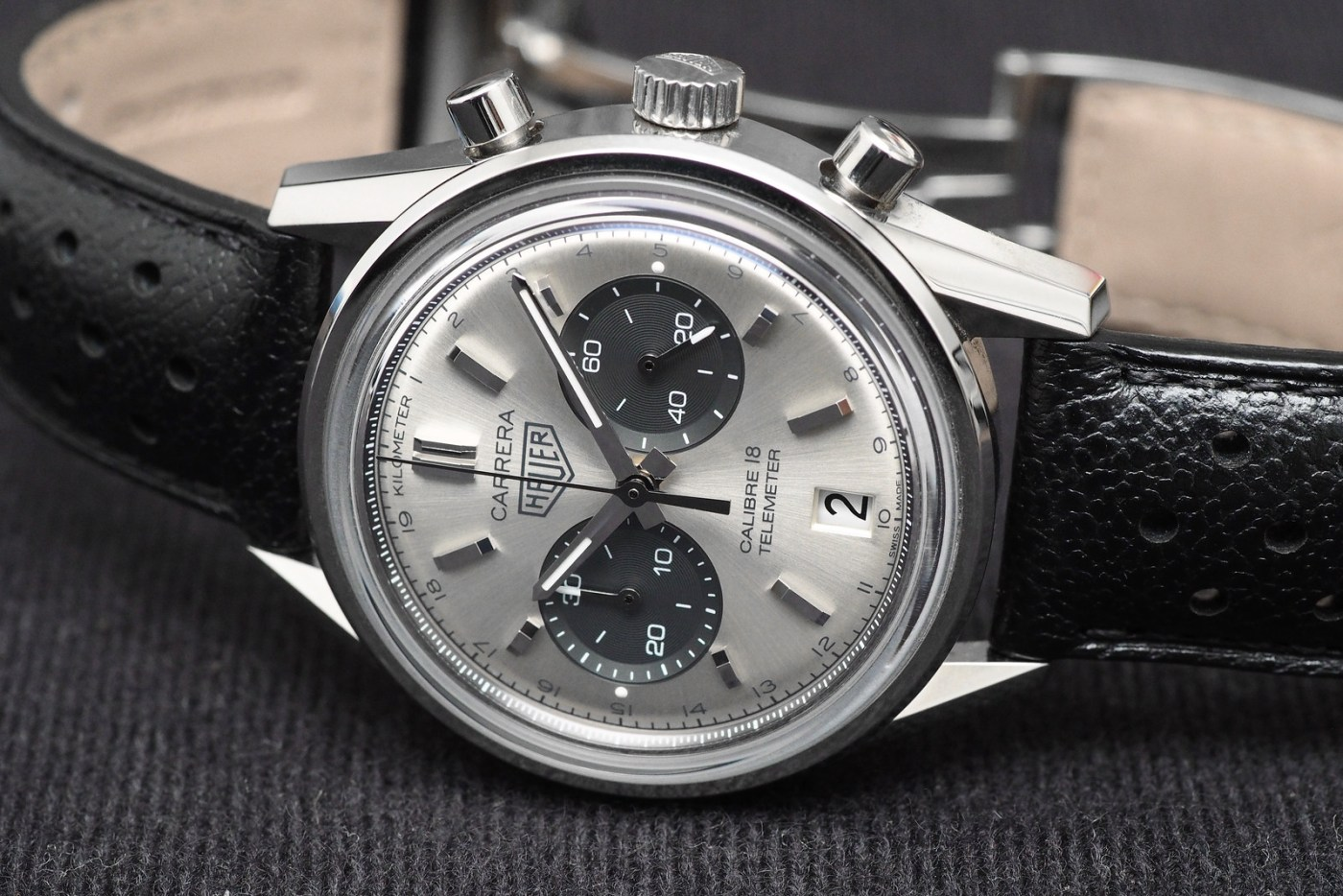 TAG Heuer Carrera Calibre 18 Automatic Chronograph side
