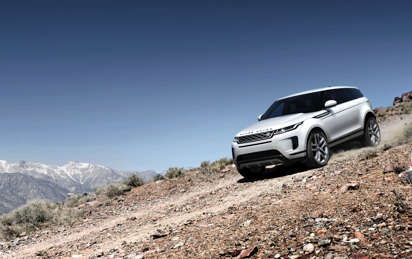Range Rover Evoque descending mountain