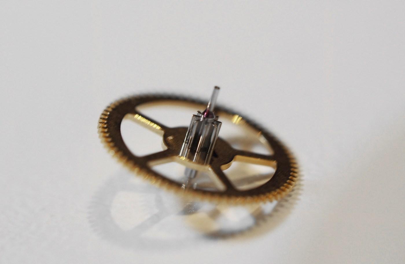 Oiled center wheel pinion