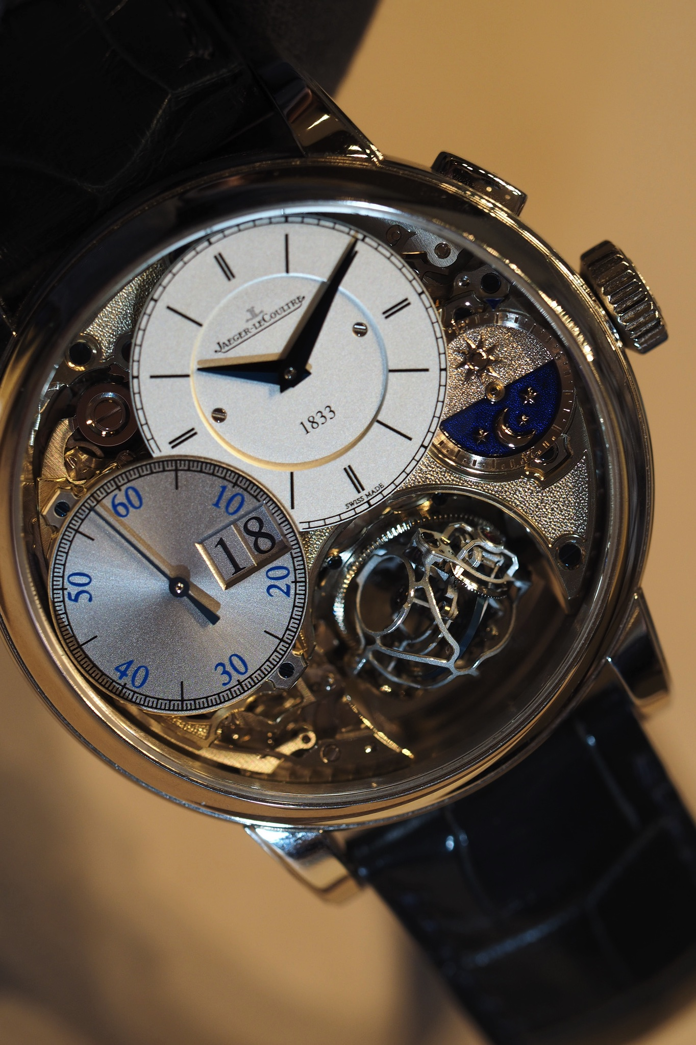 Hybris Mechanica Gyrotourbillon 3 Jubilee Hands-On