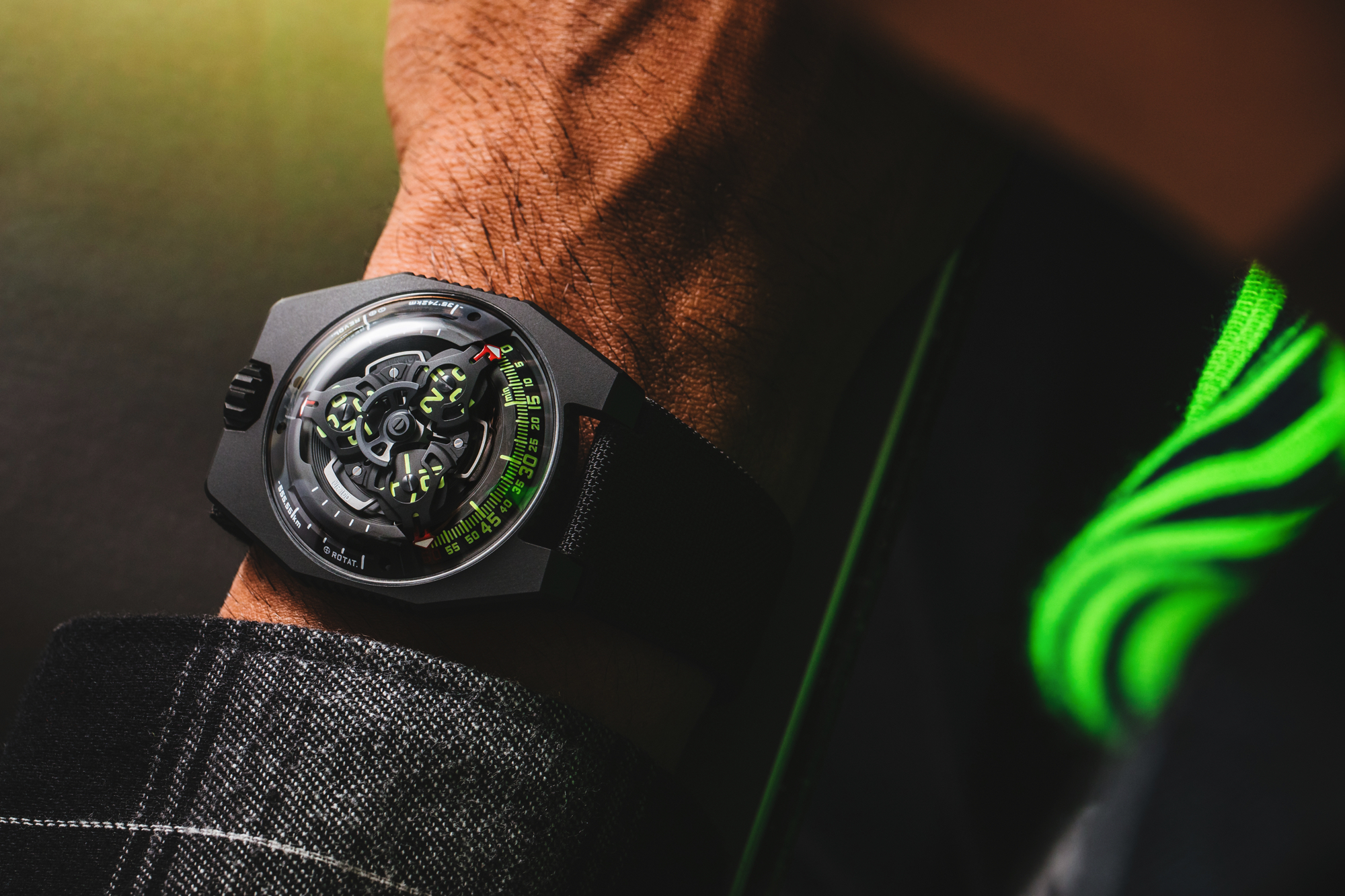 Urwerk UR-100 Spacetime wristshot