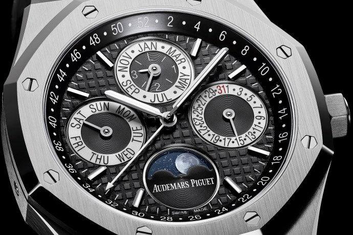 Audemars Piguet Royal Oak Platinum Perpetual Calendar close-up