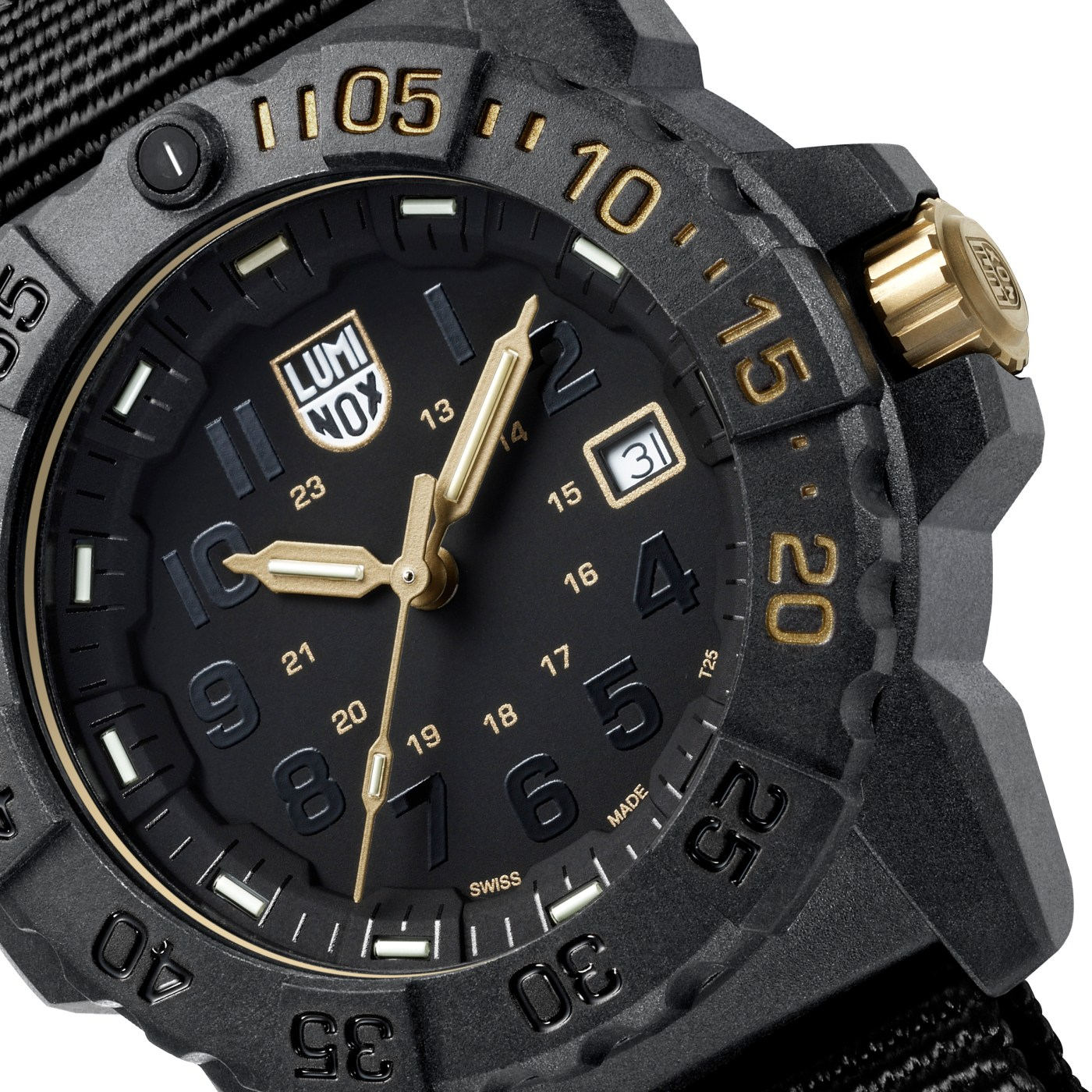 Luminox Navy Seal 3500 Gold close-up