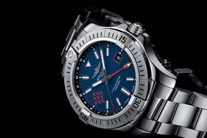 Breitling Avenger Automatic Gmt 45 Red Arrows Limited Edition