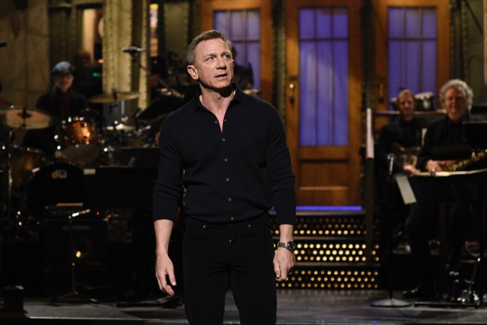 Daniel Craig wears Omega Seamaster 007 Edition on SNL