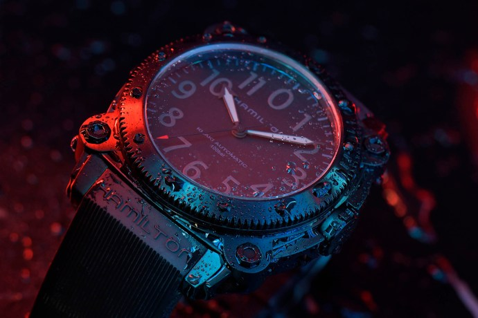 Hamilton Khaki Navy BeLOWZERO Tenet Limited Edition red