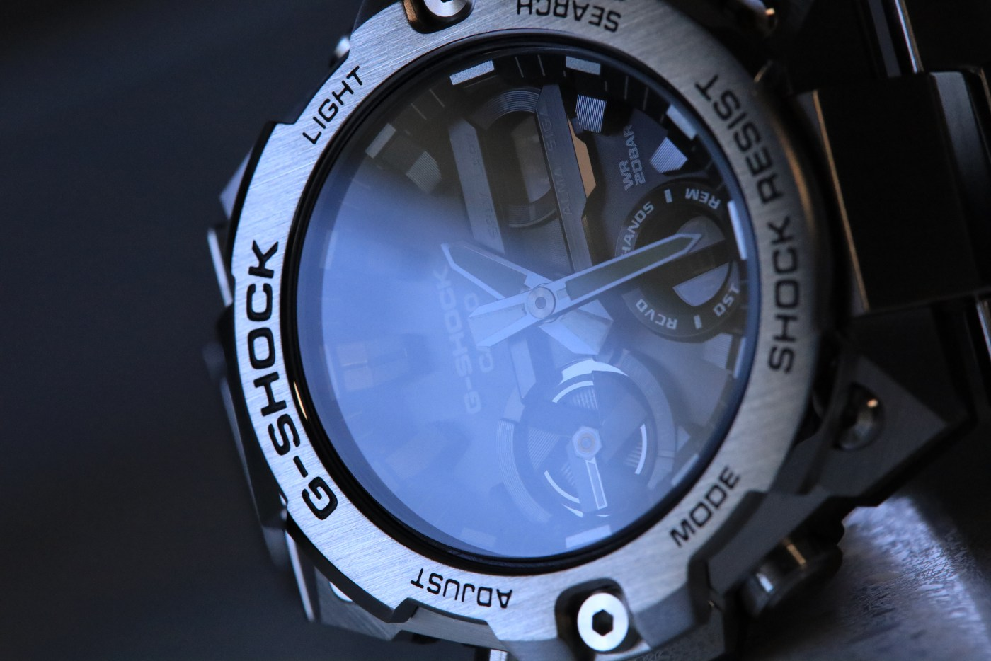 Close-up of the G-Steel GSTB400D-1A
