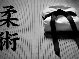 jujitsu bari kimono e ideogramma