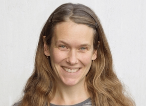 Sara Strandberg forskar på CERN och Stockholms universitet och letar efter bl a mörk materia!