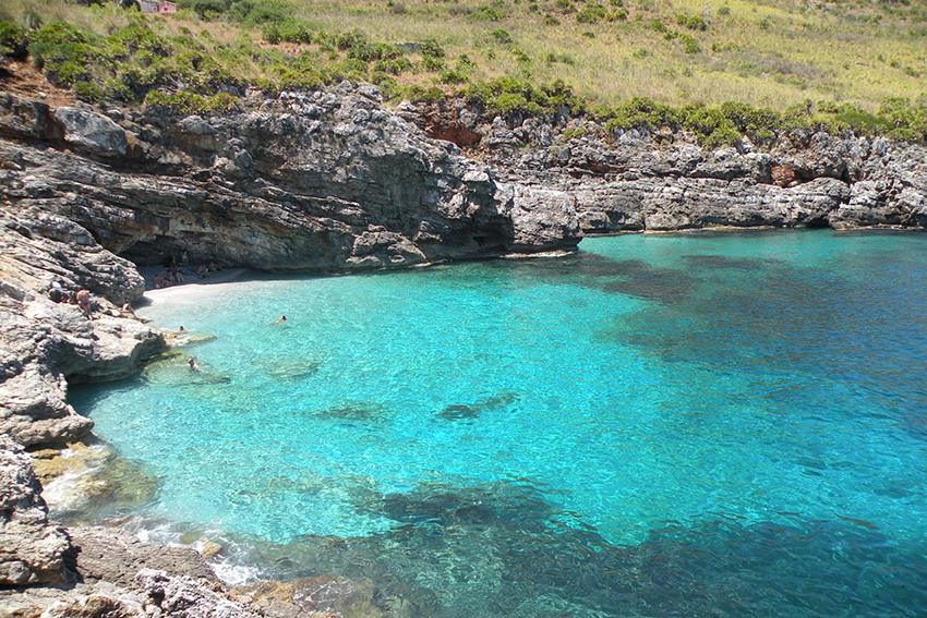 Alla spiaggia dello Zingaro lo scettro di più bella d'Italia