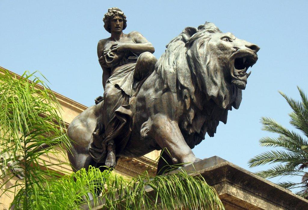A Palermo il Teatro Massimo diventa teatro di posa