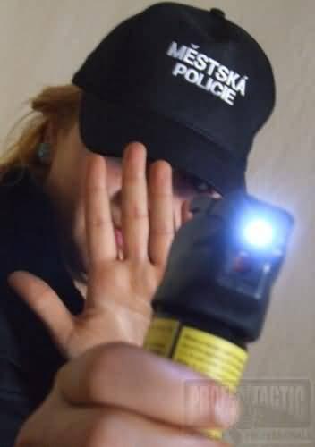 Obranný sprej Tornádo so svetlom 63ml