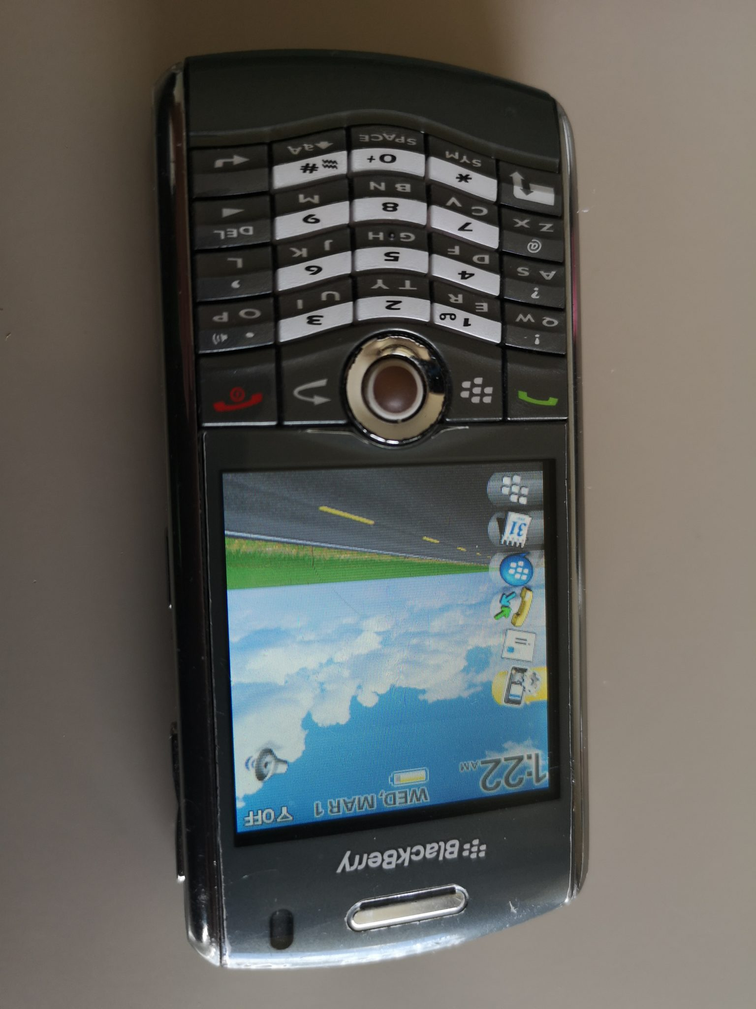 Blackberry Pearl 8120 Review - Modified Keyboard, Same Rollerball