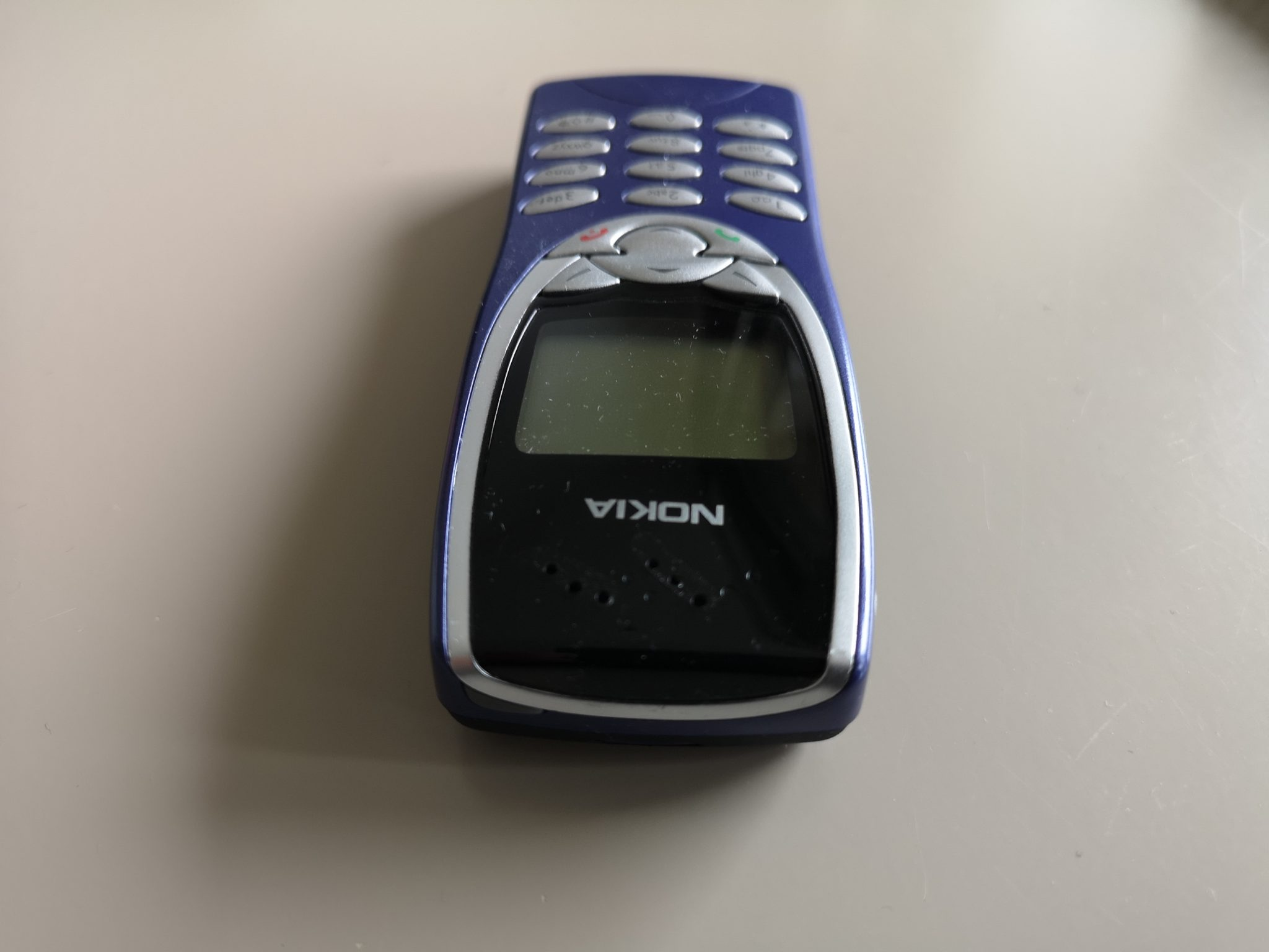 Nokia 8210 Review - Classic Handset Stands the Test of Time