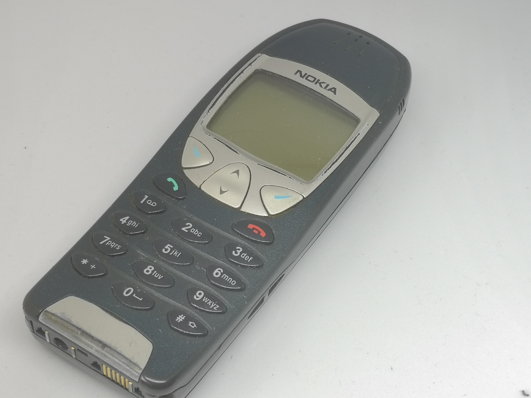 Nokia 6210 Review: Groundbreaking Business Mobile Phone