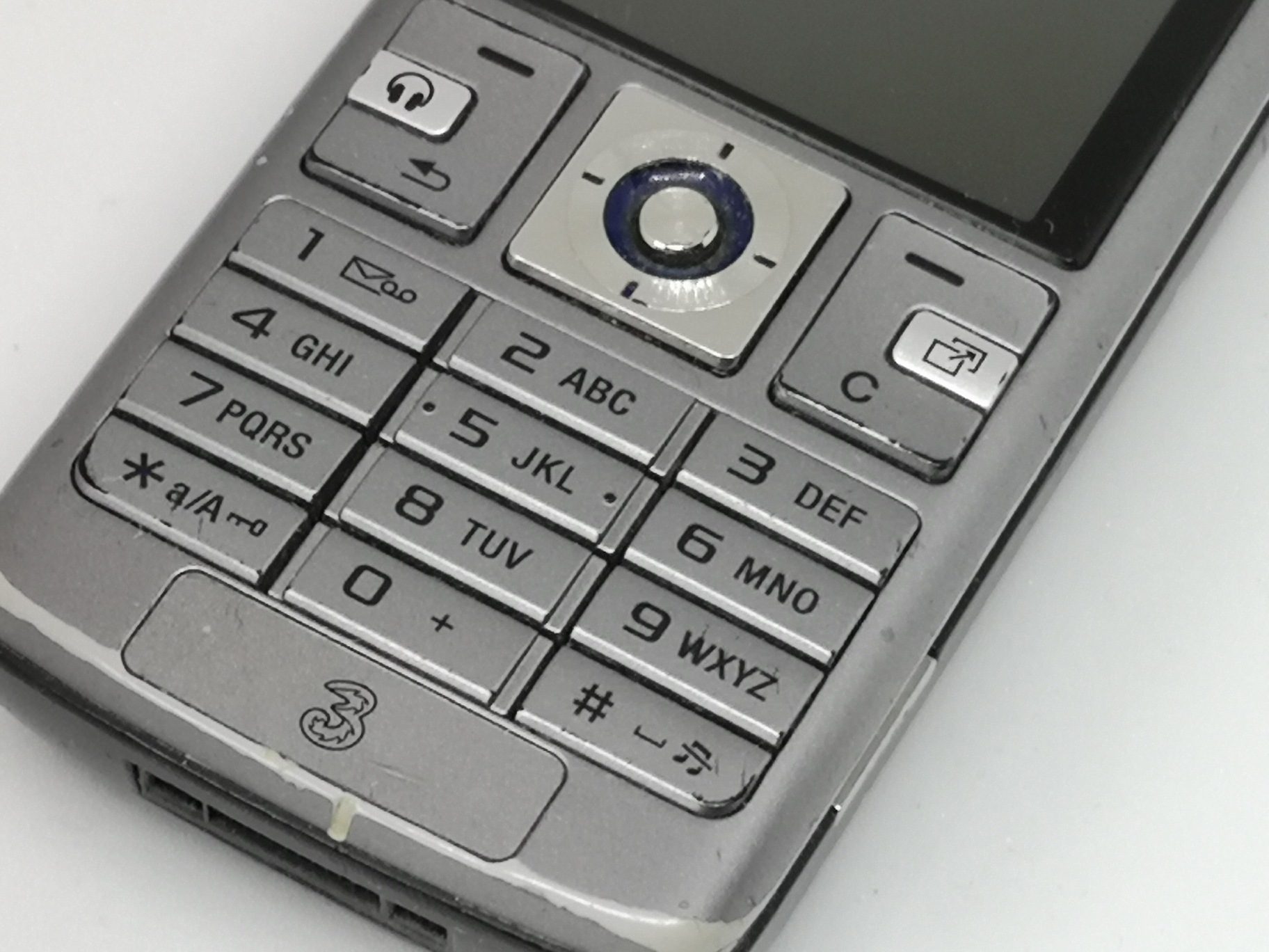 Sony Ericsson K610 Review: Small and Light 3G Mobile Phone
