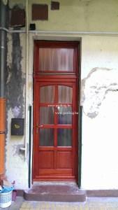 Körfolyosós bejárati ajtó csere