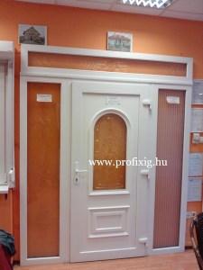 Műanyag bejárati ajtó portál