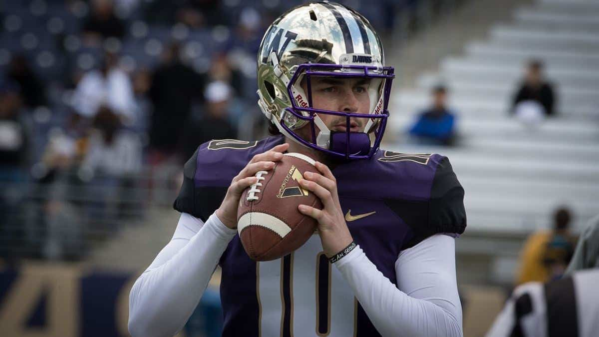 2020 NFL Draft prospect Washington QB Jacob Eason