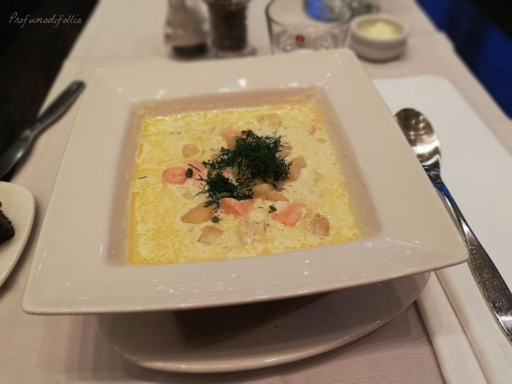 Ricetta della zuppa di salmone tradizionale finlandese: risultato