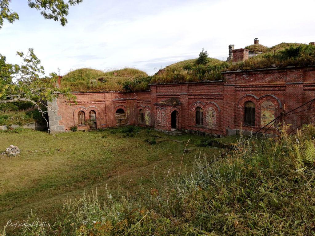 Ancora Vallisaari, resti di fortificazione