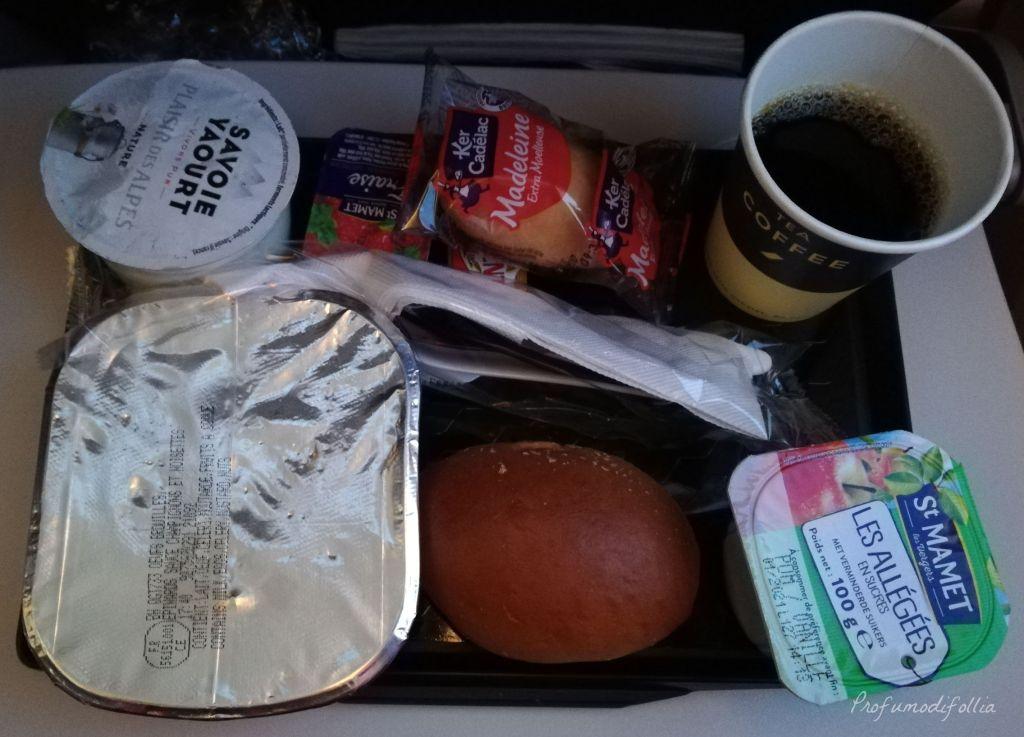 Volare con Air France: foto della colazione a bordo di un aereo Air France