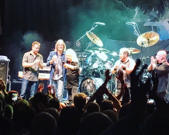 Live Review – Magnum at Hull City Hall – February 25th 2018 – by Progradar