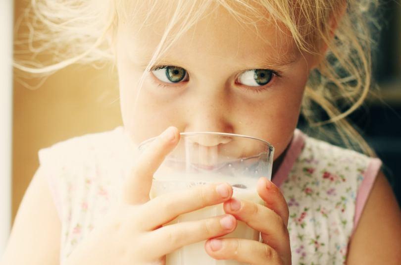 Le lait de croissance est-il vraiment utile ?