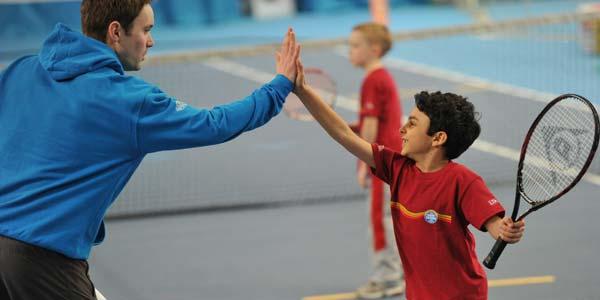 Guide des parents de joueurs de tennis et le coach