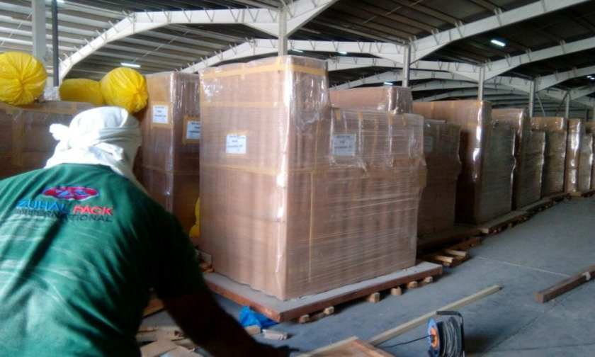Heavy machinary packing by Zuhalpack team