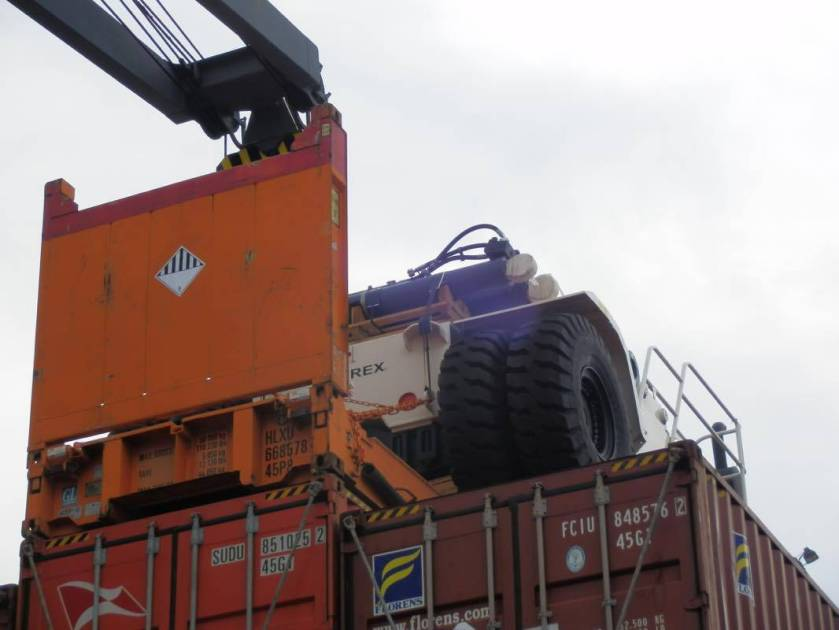 OOG cargo loaded on a flat rack onboard a container ship destined for Guayaquil, Ecuador.