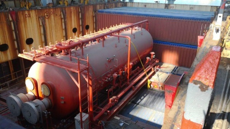 Dubai based Fleet Line Shipping last  week handled an Oil Heater measuring 15 x 4.20 x 5.1 m, weighing 30 metric tons.