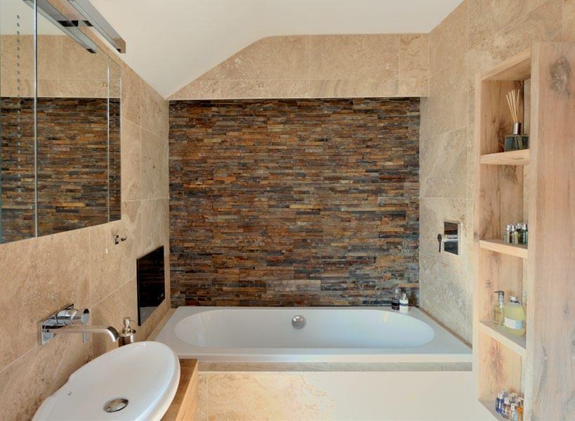 RoyaumeStyleDeco Salle de bain mûr pierres naturelles