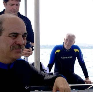 anderson cooper after diving with bentprop