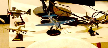 Model planes for reference to sunken lost aircraft