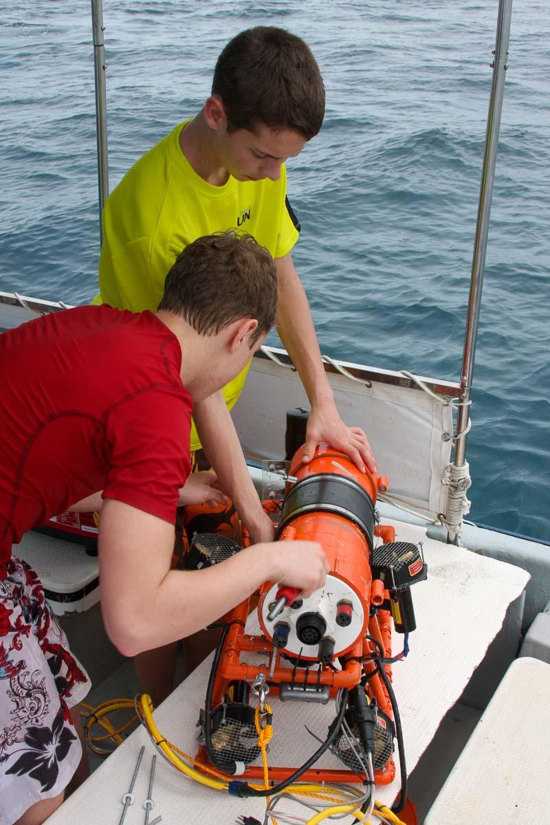 High school built underwater robot