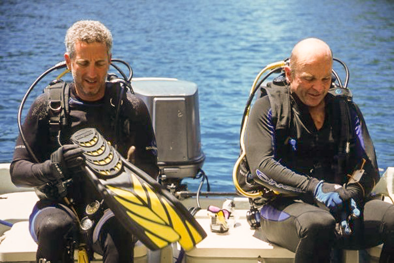 Ready to Dive with your buddy