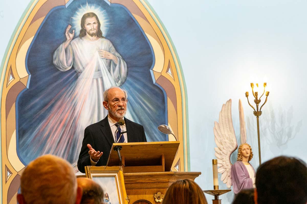 Pat Scannon Addresses Memorial of Walter Mintus