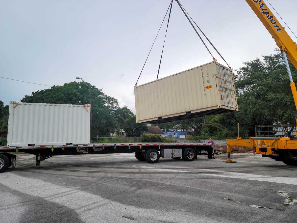 Containers loading