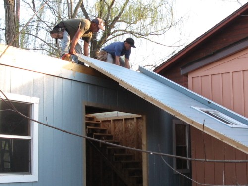 Sliding the walls up - Our Classic Manor New Day Cabin - Project Small House